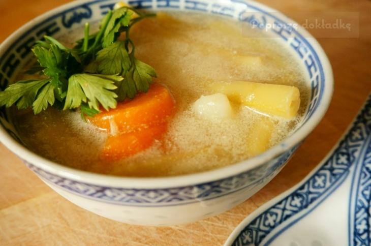 zupa z młodych warzyw przepis