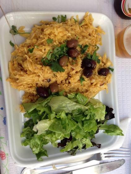 bacalhau a bras - jajecznica z dorszme i ziemniakami
