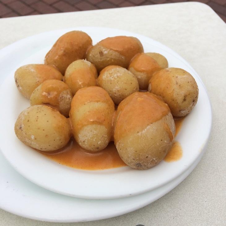ziemniaczki z czerwonym sosie mojo picon