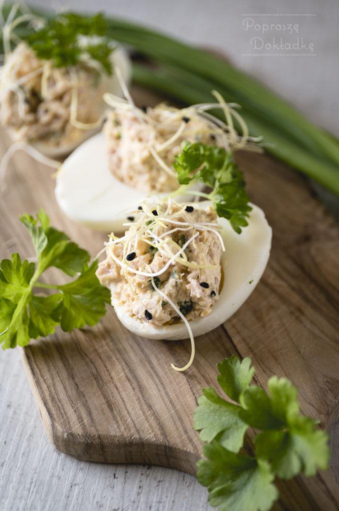 Jajka faszerowane szynką przepis